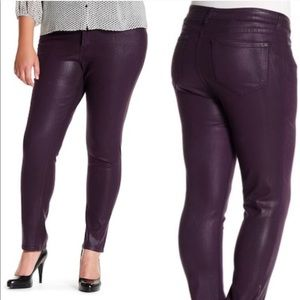 ⭐️ NYDJ Purple Coated Skinny Jeans Size 6